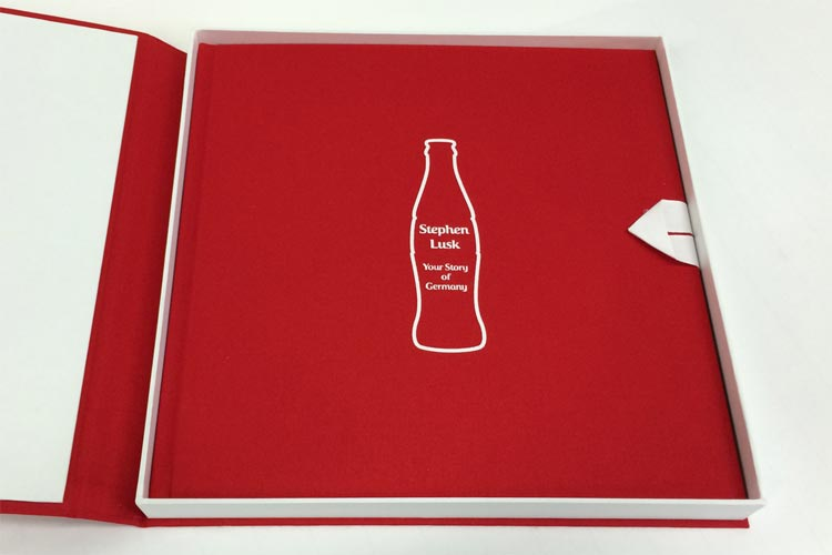 </p> <h4>Coca Cola, a book as legendary as the drink